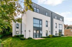Flat For Sale  Morden Surrey SM4