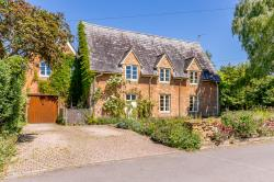 Semi Detached House For Sale  Piddington Oxfordshire OX25