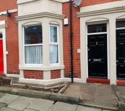 Flat For Sale  Newcastle Upon Tyne Tyne and Wear NE2
