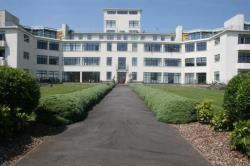 Flat For Sale  Penarth Glamorgan CF64