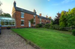 Detached House For Sale  Nuneaton Warwickshire CV10