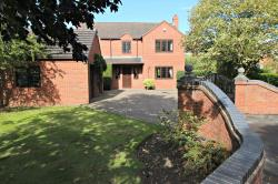 Detached House For Sale  Pershore Worcestershire WR10