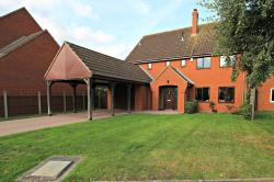 Detached House For Sale  Worcester Herefordshire WR6