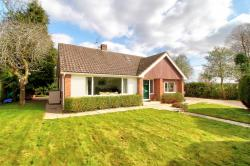 Detached House For Sale  Pamber Heath Hampshire RG26
