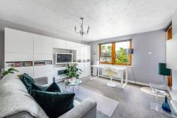 Flat For Sale  London Greater London N13