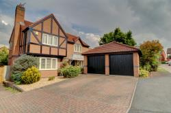 Detached House For Sale St Peters Worcester Worcestershire WR5