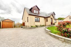 Detached House For Sale Cleghorn Lanark Lanarkshire ML11