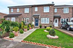 Terraced House For Sale  Reading Berkshire RG31