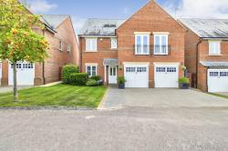 Detached House For Sale  ST ALBANS Hertfordshire AL2