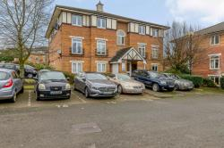 Flat For Sale Heton Gardens London Greater London NW4