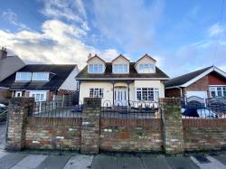 Detached House For Sale  SOUTHEND ON SEA Essex SS2