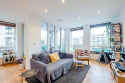 Flat For Sale  London Greater London N4