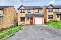 Detached House For Sale  Brighouse West Yorkshire HD6