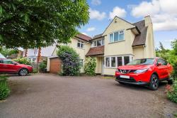 Detached House For Sale  Oadby Leicestershire LE2