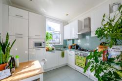 Flat For Sale  London Greater London N1