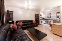 Terraced House To Let  Ealing Greater London W5
