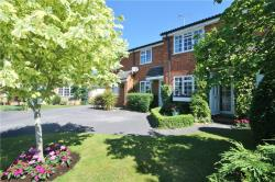 Terraced House To Let  Englefield Green Surrey TW20