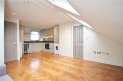 Flat To Let Great West Road Brentford Middlesex TW8
