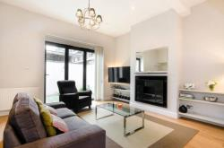 Detached House To Let  Putney Greater London SW15