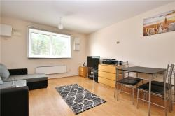 Flat To Let  Longford Middlesex UB7