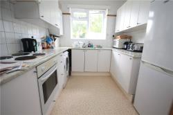 Flat To Let Woodfield Avenue London Greater London SW16