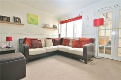 Terraced House To Let Sunbury-On-Thames SUNBURY ON THAMES Surrey TW16