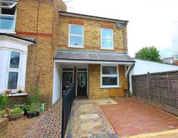 Terraced House To Let  Twickenham Middlesex TW2
