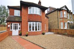 Detached House To Let  Twickenham Middlesex TW1