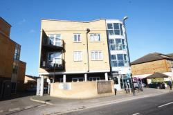 Flat To Let 147 Hanworth Road Hounslow Middlesex TW3