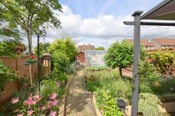 Semi Detached House For Sale Cricklade Road Swindon Wiltshire SN2