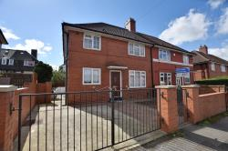 Semi Detached House For Sale Inglewood Place Leeds West Yorkshire LS14