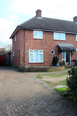 Terraced House For Sale Maycroft Letchworth Garden City Hertfordshire SG6