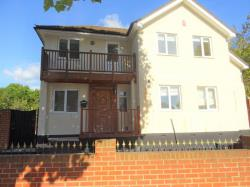 Detached House To Let  ENFIELD Middlesex EN1