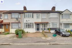 Terraced House To Let  Ilford Essex IG6