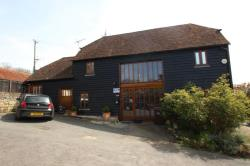 Detached House To Let  MAIDSTONE Kent ME17