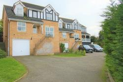 Detached House To Let  Rochester Kent ME1