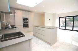 Detached House To Let  London Greater London SW15