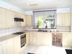 Detached House To Let  Rainham Essex RM10