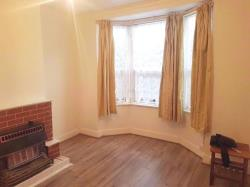 Terraced House To Let  Ilford Greater London E13