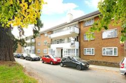 Flat To Let  Slough Middlesex HA8