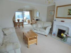 Semi Detached House For Sale Capstan Road Hull East Riding of Yorkshire HU6