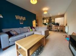 Flat For Sale Sycamore Avenue Bingley West Yorkshire BD16