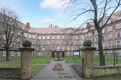 Flat For Sale  London Greater London SE5