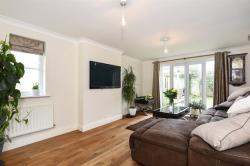 Detached House For Sale Laburnum Close Carterton Oxfordshire OX18