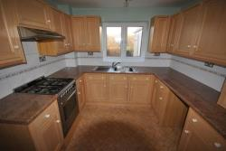 Detached House To Let New Tupton Chesterfield Derbyshire S42