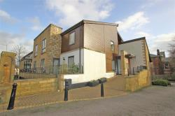 Flat For Sale   Bedfordshire LU2