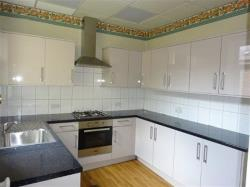 Flat To Let  Batley West Yorkshire WF17