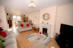 Semi Detached House For Sale Downend Bristol Gloucestershire BS16