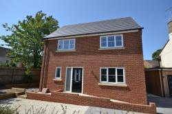 Detached House For Sale  Gloucester Gloucestershire GL2
