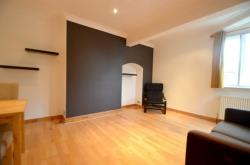 Flat To Let Southfield Road Chiswick Greater London W4
